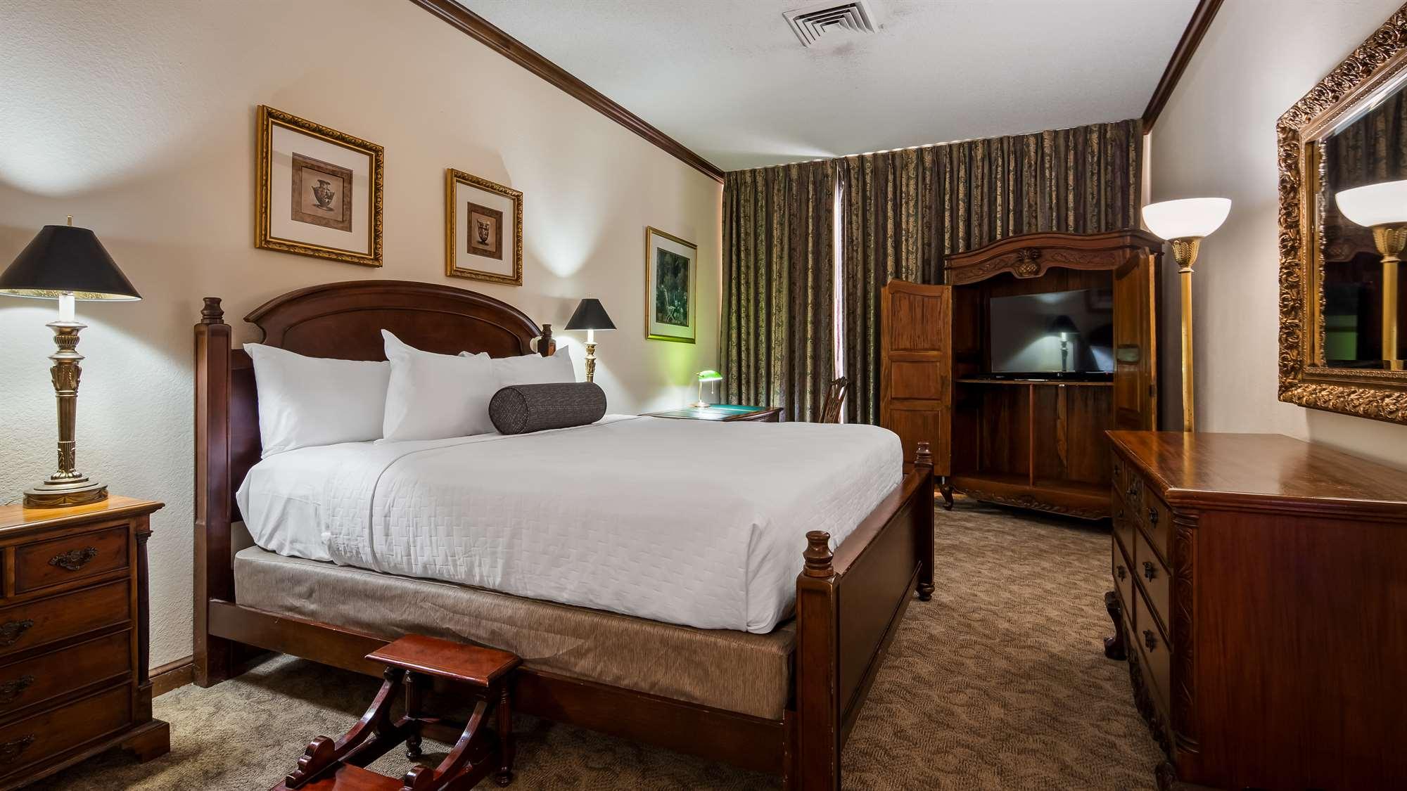 Hotel Guestroom Gainesville