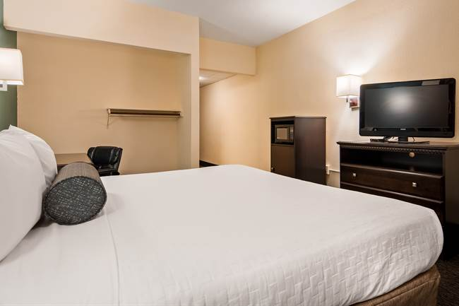 Accessible King Rooms in Gainesville, Florida